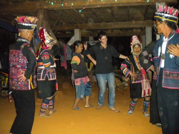 Danse Akha chez Ama - Thaïlande