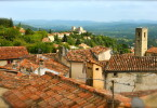 Vue des toits à Caillan, Pays d'Esterel, France