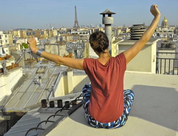Camper sur les toits de Paris