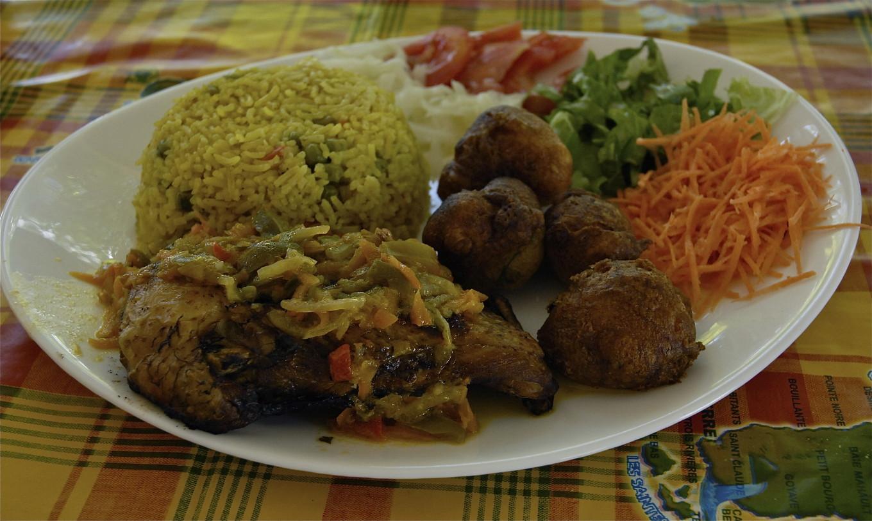 Repas créole, An ba Rezen la, Deshaies, Guadeloupe