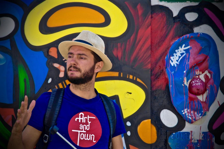 Victor, notre guide street art, Art and Town, Paris