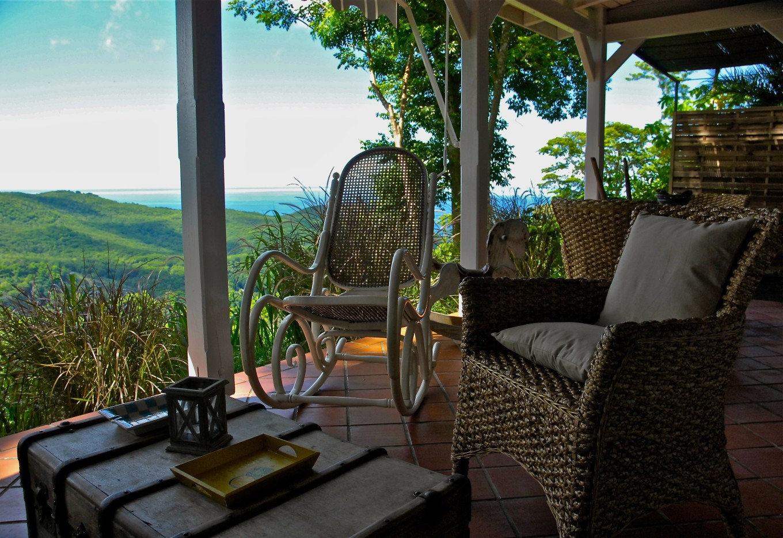 Terrasse au Beauséjour Guesthouse, Pointe-Noire, Guadeloupe