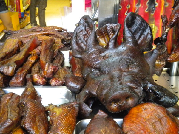 Bangkok. Marché, temple et bizarrerie (1)