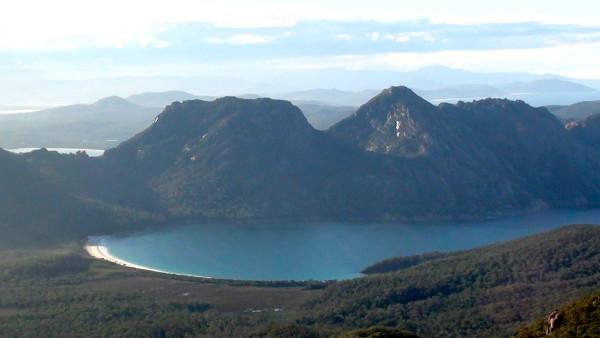 Wineglass Bay, vers l'une des plus belles plages du monde (vidéo)