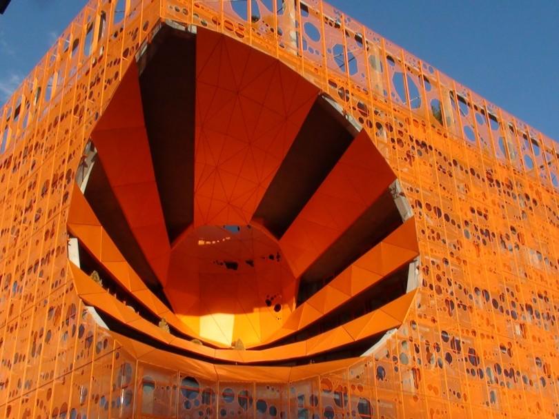 Bâtiment orange