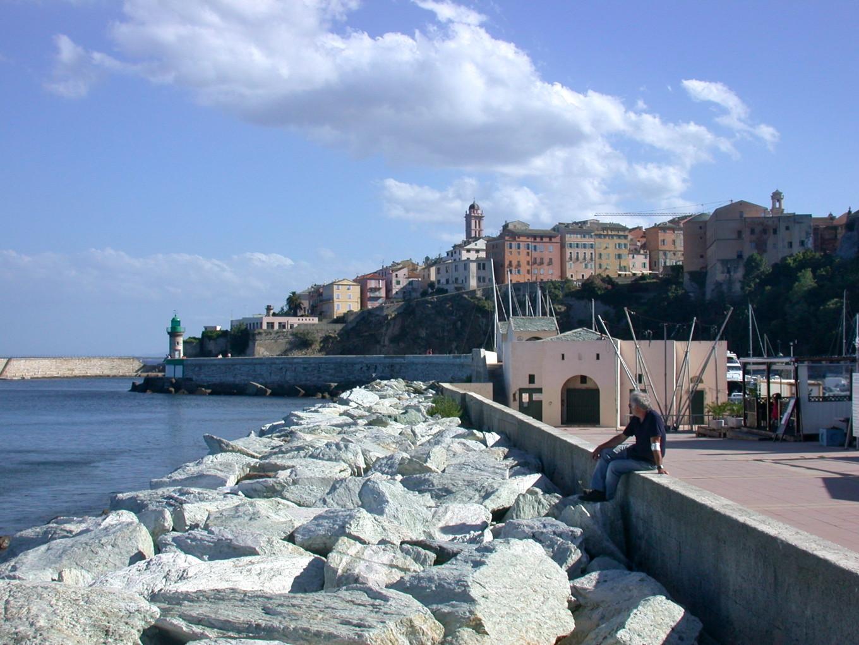 Sur la jetée, Bastia