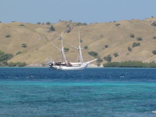 Vers les Komodo en voilier, Indonésie
