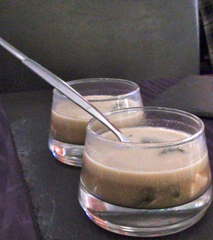 Bouillon au saumon poché et algues wakame - Aux Petits Plaisirs