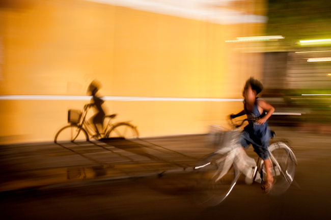 Running by bike - Hoi An