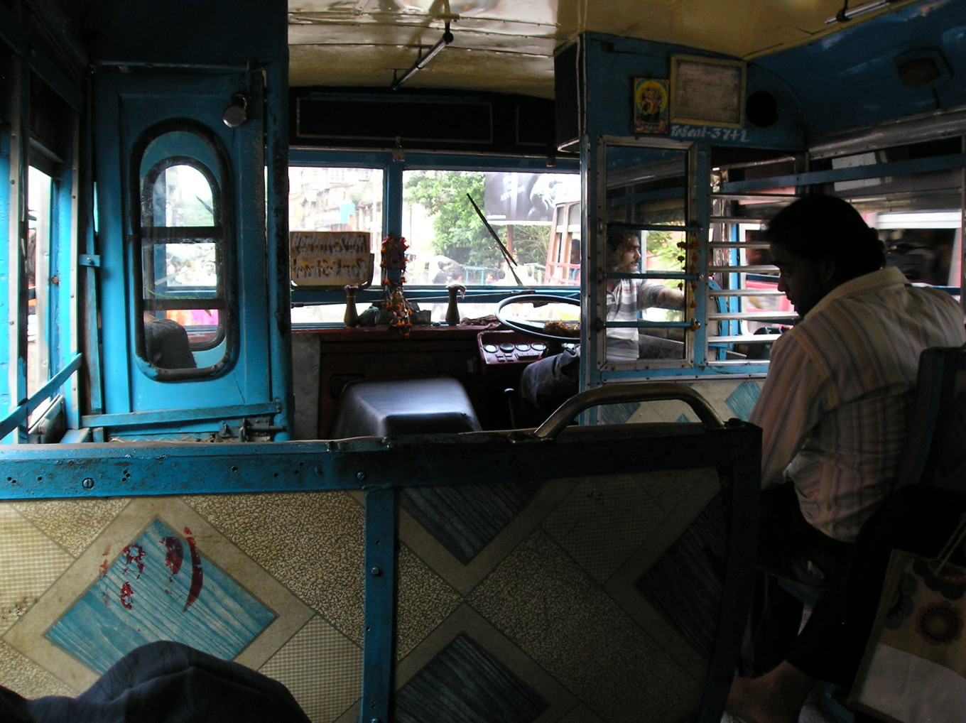 Bus - Calcutta