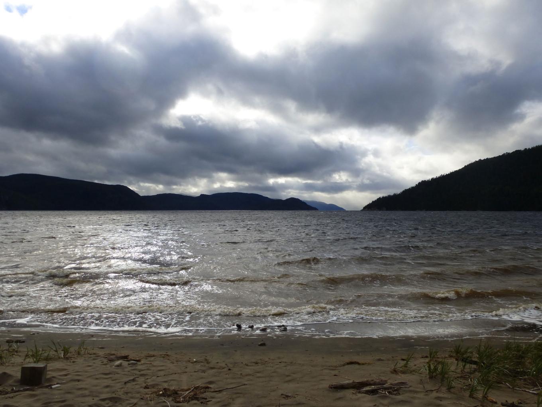 Plage au bord du Fjord du Saguenay - Québec