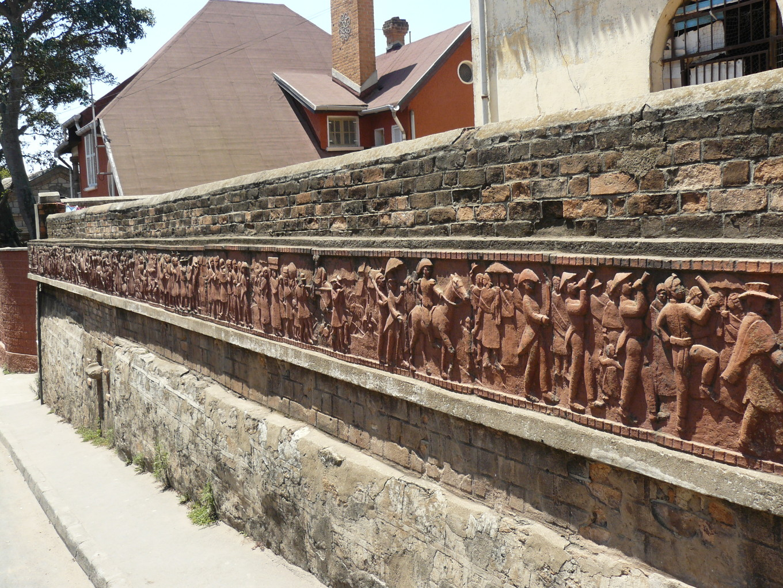 Fresque en terre cuite, Antananarivo - Madagascar