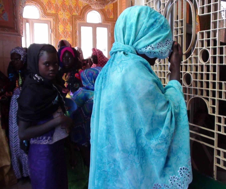 Prier à Touba, Sénégal