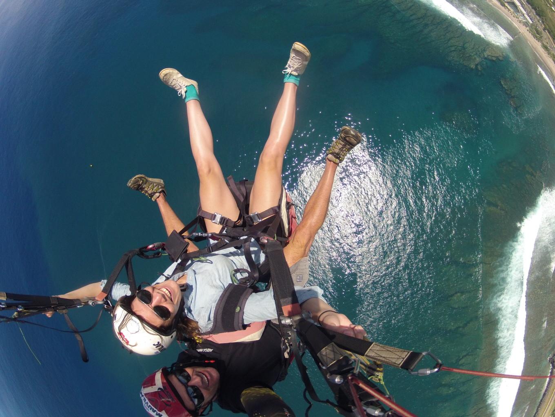 Parapente au dessus de la barrière de corail, Réunion