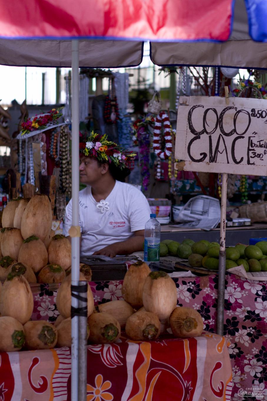 Coco glace au marché de Papeete, Tahiti