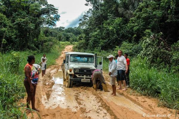 Petit contretemps sur le chemin de Senador JP, Para, Brésil