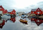 Pécher avec les locaux dans le petit village de Bud au bord de l'ocean, Norvège