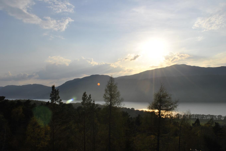 Coucher de soleil sur le Loch Ness - Ecosse