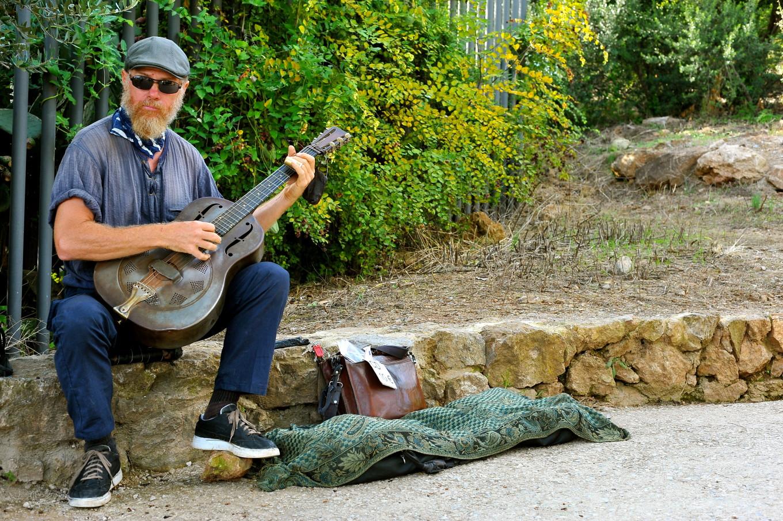 Musicien au Parc Guell, Barcelone, Espagne