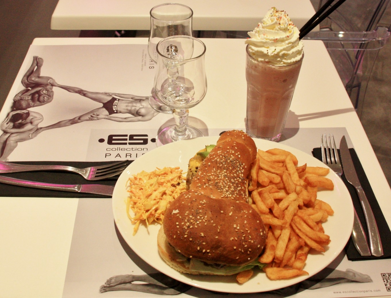 Le Tata Burger, Paris, France