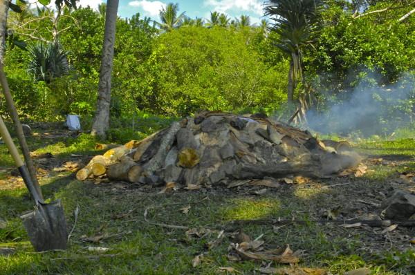 Cuisson du bougnat, Poindimié, Nouvelle-Calédonie