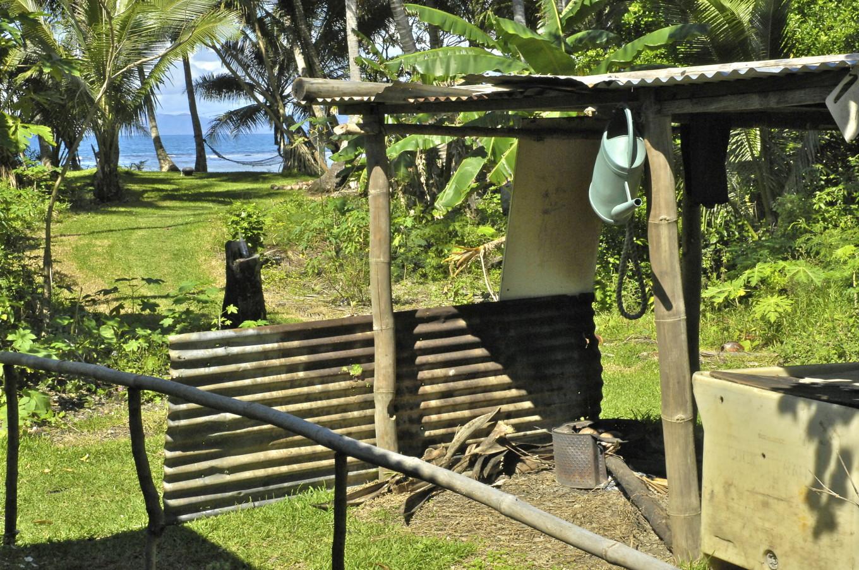 Salle de bain de plein air, Poindimié, Nouvelle-Calédonie