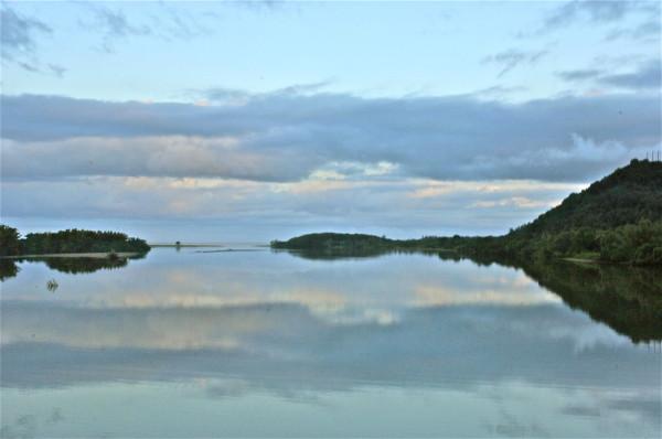 Coucher de soleil sur la Tiwaka, Nouvelle-Calédonie