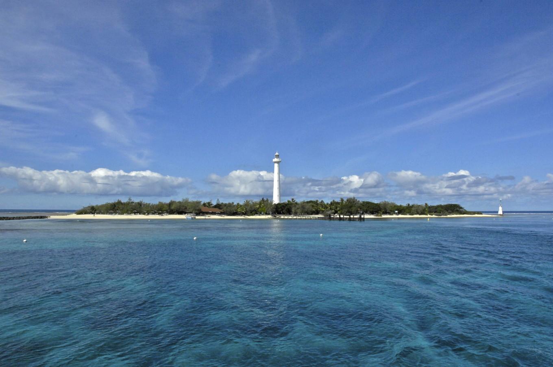 Le phare Amédée vu du large, Nouméa, Nouvelle-Calédonie