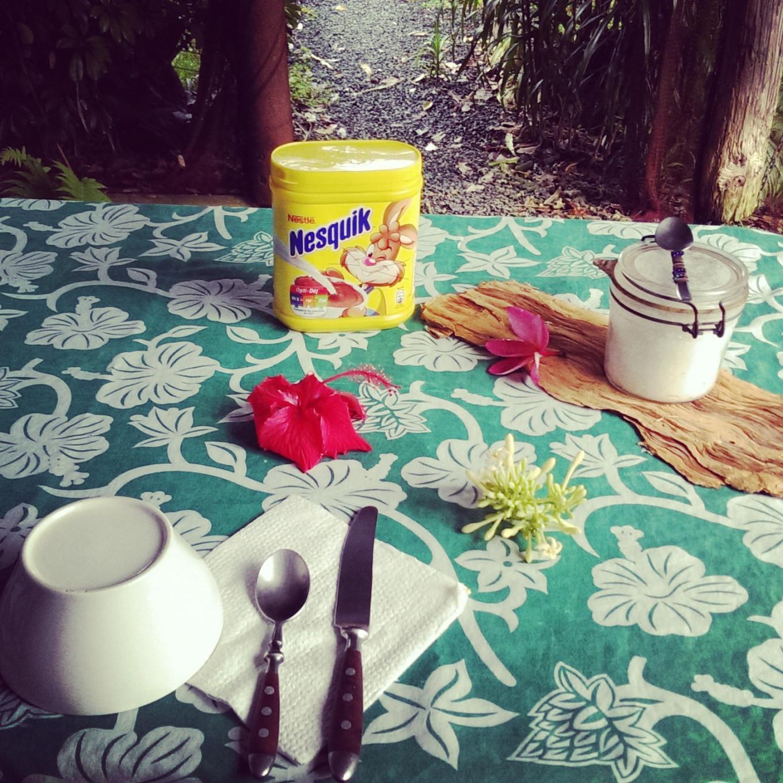 Petit déjeuner au gîte Newejie, Poindimié, Nouvelle-Calédonie