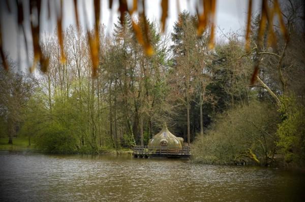 Cabane sur l'eau, Les Ormes, Dol de Bretagne, France