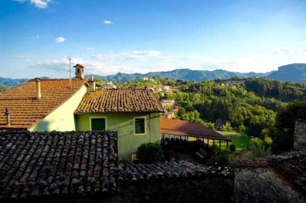 Vers la vallée, Coreglia Anteminelli, Italie