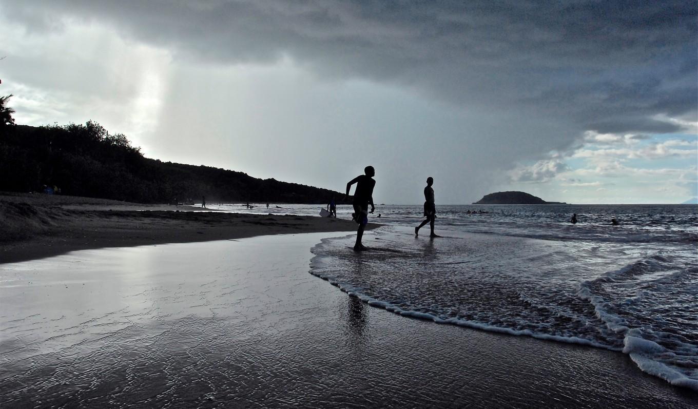 Début d'orage, Sainte-Rose, Petite-Terre