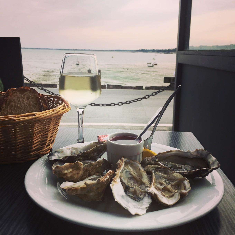 Mes huîtres de Cancale, France