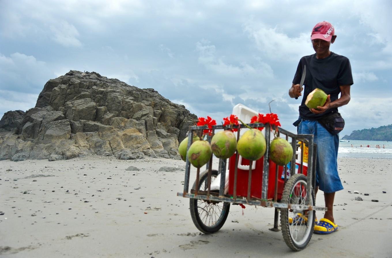 vendeur de coco, Manuel Antonio, Costa Rica