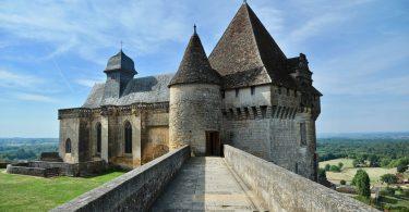 Château de Biron, Périgord