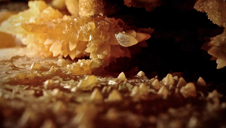 Naissance des cristaux, Grotte de Grand Roc