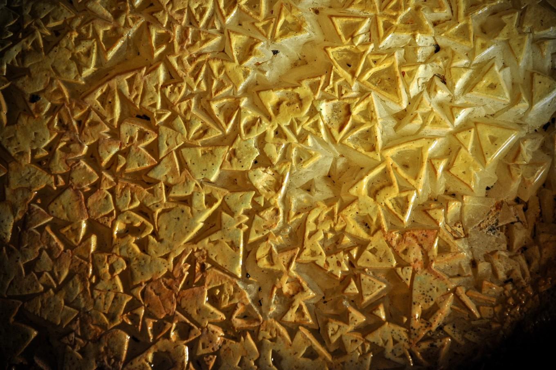 Naissance des cristaux de calcite, Grotte du Grand Roc, Périgord