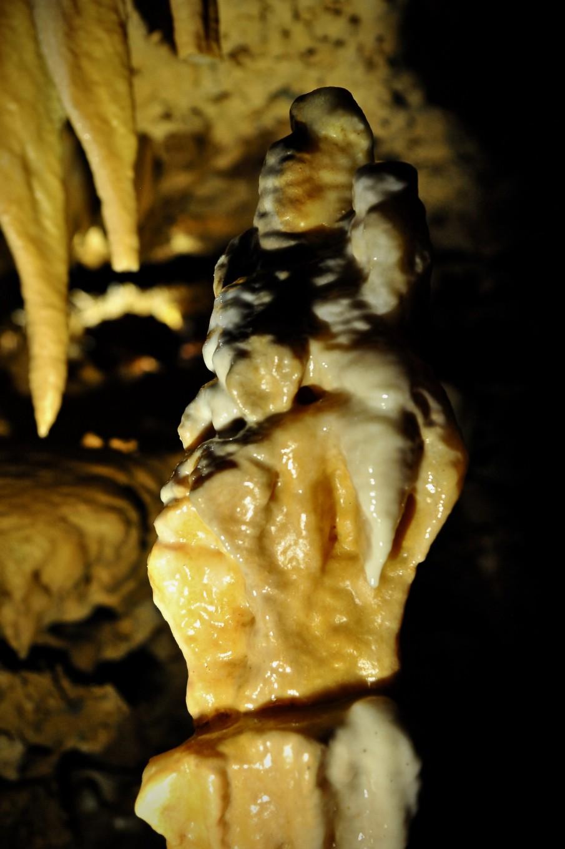 Statue naturelle, Grotte de Grand Roc