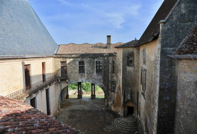Sur les toits du Château de Biron