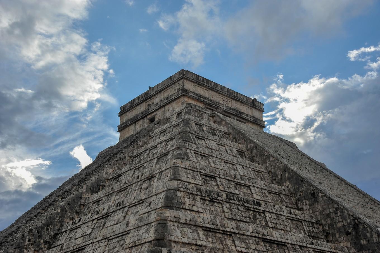 pyramide maya chichen itza mexique