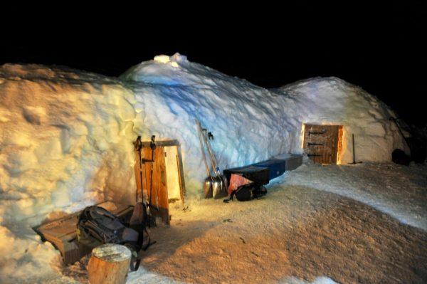 Fondue en igloo, Plaine Joux, Alpes du Léman