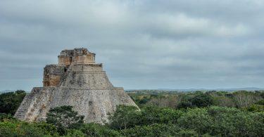 Pyramide maya Uxmal Yucatan