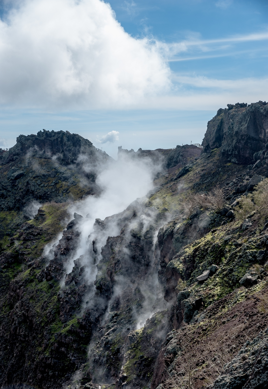 fumeroles-volcan-vesuve