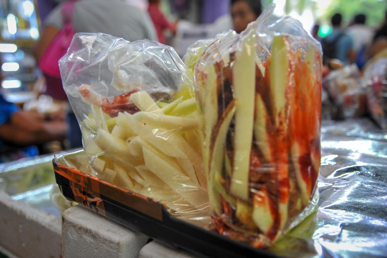 Mangues vertes aux épices, marché de Mérida, Mexique