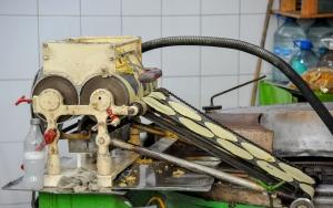 machine-a-fabriquer-les-tortillas-yucatan-marche-de-merida