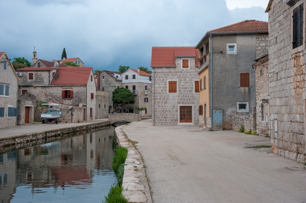 Canaux de Vrboska, Hvar, Croatie