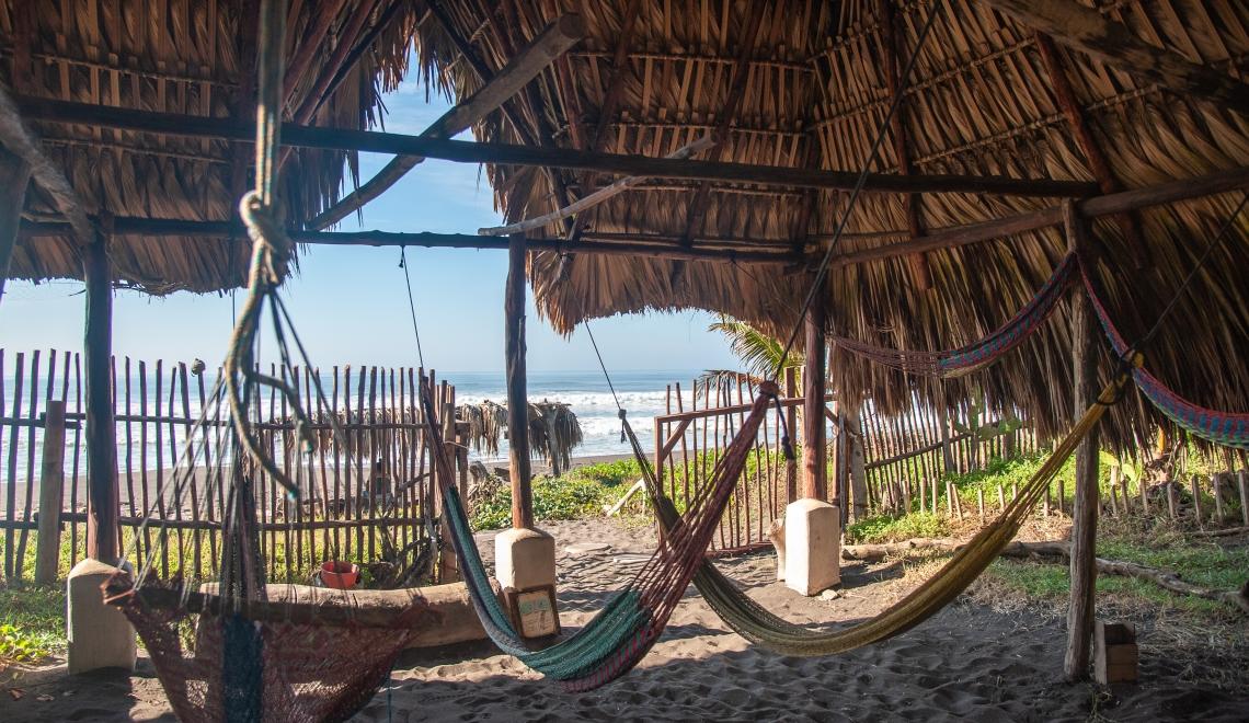 Surfer au Guatemala, El Paredon
