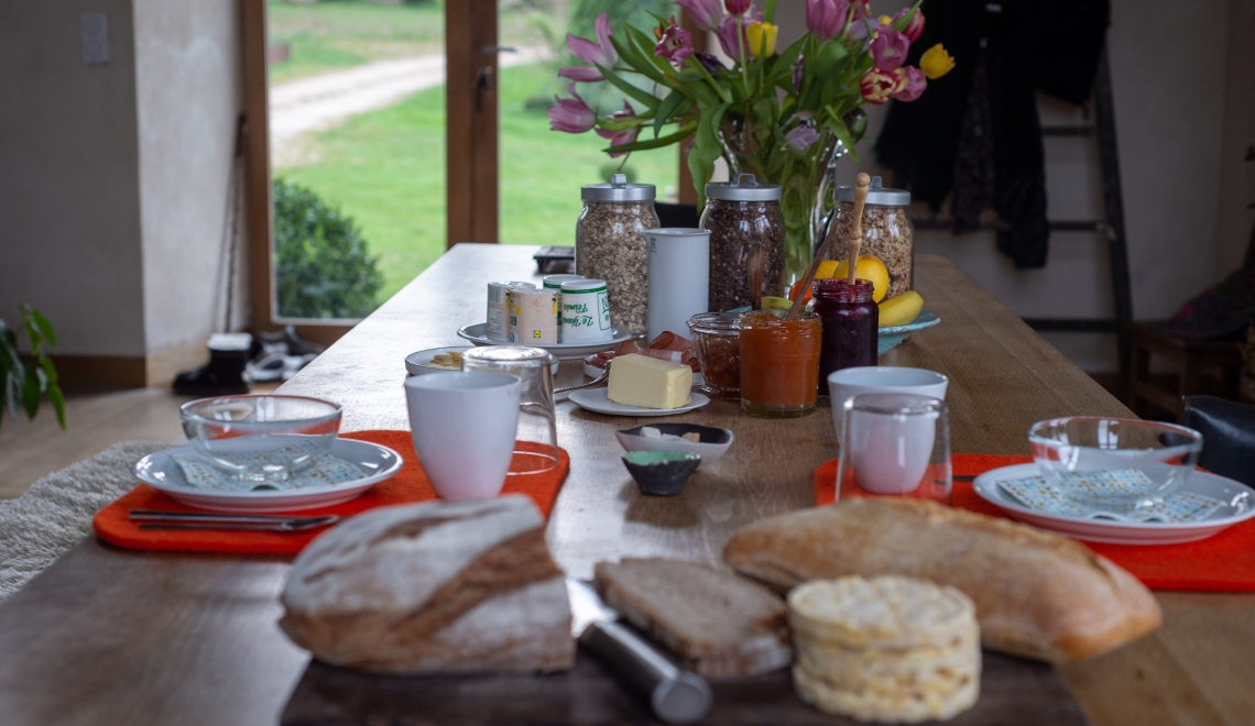 Petit-déjeuner au Manoir de la Queurie, Normandie